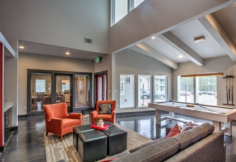 Community Lobby & Lounge